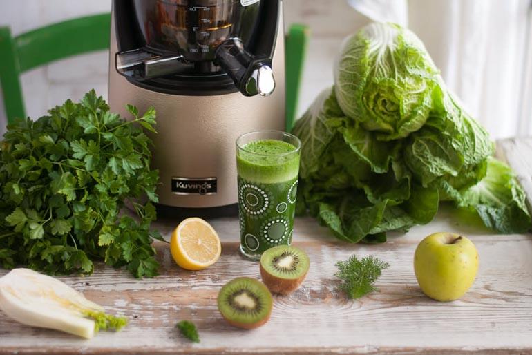 kuvings evo820 to wyciskarka do soków owocowych, warzywnych i z zielonych liści