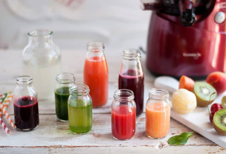 Wyciskarki Kuvings B6000 obracając ślimak z prędkością 50 obr/min. wyciskają najwyższej jakości soki z warzyw, owoców i zielonych liści